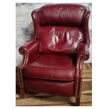 11 - WELL LOVED RECLINER
