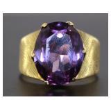 14kt Gold Vintage Oval Purple Spinel Ring