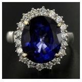 14kt Gold 8.96 ct Oval Sapphire & Diamond Ring