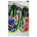 Little kids size 7/8 slippers
