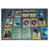 (15) Willie Mays Topps Baseball Cards