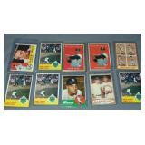 (10) Roger Maris Topps Baseball Cards