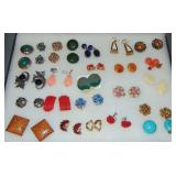Vintage Costume Jewelry. Earrings.