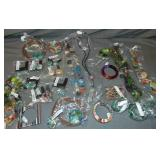 Pulseira. Assorted Lucite Jewelry.20+++pieces