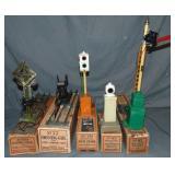 5 Boxed Lionel Accessories