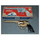 Nice Boxed Kilgore Grizzly Six-Shooter Cap Pistol