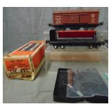 Clean Lionel 3814 & 3859 Operating Cars, 1 Box