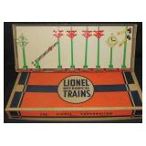 Nice Boxed Lionel 1569 Accessory Set