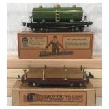 Boxed Lionel 811 & 815 Freight Cars