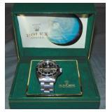 Rolex Submariner in Original Box.