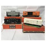 2 LN Boxed Lionel 58 Lampposts