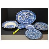 SELECTION OF ASSORTED BLUE WILLOW DISHES