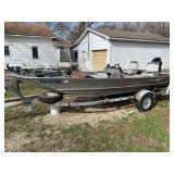 Fishing Boat with 25 HP Mercury Motor and Trolling Motor
