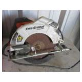 BLACK AND DECKER FIRE STORM CIRCULAR SAW - H18