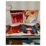 "2 set a of 4 Holiday Pillow insert covers 18""x18"""