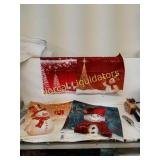 "2 Sets of 4- 18"" x 18""  Holliday pillow insert"