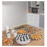 **Disposable Plates - 80-Count Paper Plates, Car