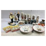 Variety of Salt & Pepper Shakers+ More M8B