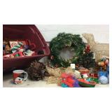 Tote of Christmas Decorations K10C