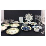 Vintage Collectable Barware and Plates K7A