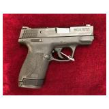 NEW Smith & Wesson Shield 9mm w 2 Mags -GG