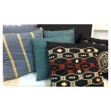 Assorted Accent Pillows K13C
