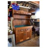 EARLY PRIMITIVE DRY SINK