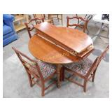 Round Wooden Dining Table & Chairs, Leaves