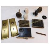 8 Pieces Vintage Doorknob Assembly