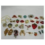 23 Blingie Pins 2 Pr Earrings Necklace
