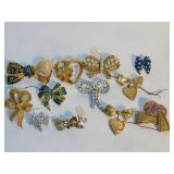 12 Blingy Bow Brooches