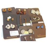 Lot of 10 Costume Brooches
