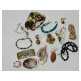 12 Pc Nice Costume Lot Pendant Necklaces Brooches+