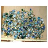1# Assortment of Plastic Jewels