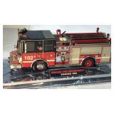 Chicago Fire Department Luverne Pumper 1/32
