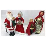 Williamsburg Carolers Santa Mrs Claus