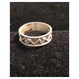 .925 Silver Ring with Design - Size 5