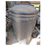 Large Gott trash can with wheels