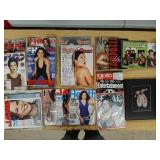 Neve Campbell Actress Magazine/Book/DVD Fan lot