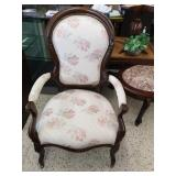 Gentleman sitting chair with casters