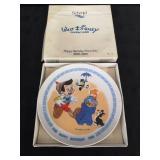 Cute Walt Disney Pinocchio collector plate.