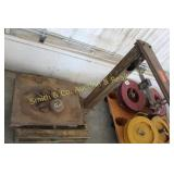 ANTIQUE SCALE w/ WEIGHTS