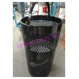 1X, METAL RUBBERMAID WALL MOUNT GARBAGE CAN