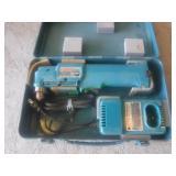 Makita 7.2 V  10 mm Angle Drill, charger & Case