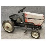 Ergo Case International 7130 Pedal Tractor