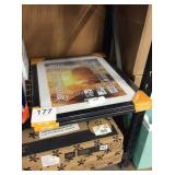 1 LOT WALL AND POSTER FRAMES
