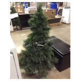 1 LOT PRE LIT TREE