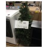 1 LOT 4FT PRE LIT TREE