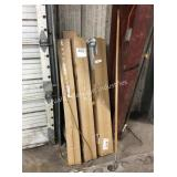 1 LOT CURTAIN RODS