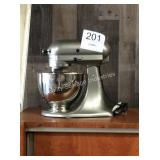 1 LOT KITCHEN AID STAND MIXER (LOBBY)